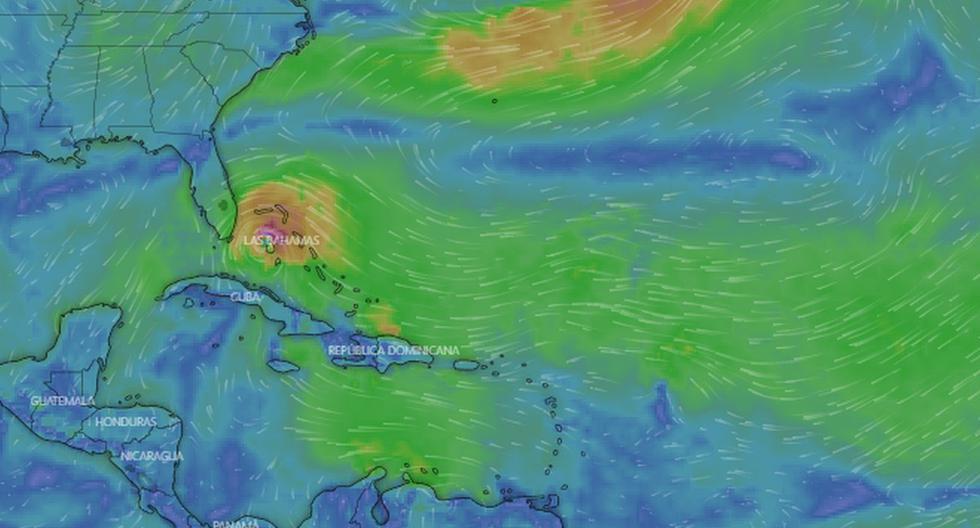 Isaías es el primer huracán que pasa por Bahamas desde que Dorian, de categoría 5, destruyera el año pasado dos de sus islas al estacionarse despiadadamente por tres días sobre el archipiélago. (Captura de pantalla / Windy.com).