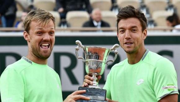 Kevin Krawietz, a la izquierda, es el vigente campeón de doble en Roland Garros. (Foto: AFP)