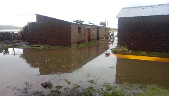Puno: las cerca de 30 personas afectadas fueron evacuadas hacia las viviendas de sus familiares y vecinos. (Foto: Indeci)