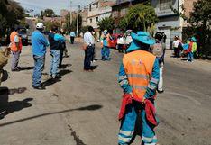 Arequipa:                         Trabajadores de limpieza temen estar contagiados                         de COVID-19 y exigen que les hagan prueba