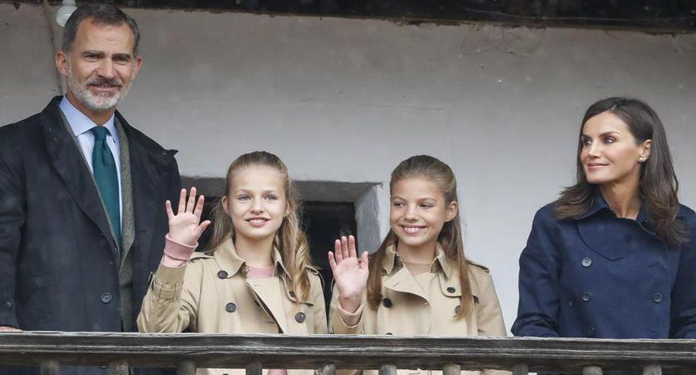 Reina Letizia con su familia. (Agencias)