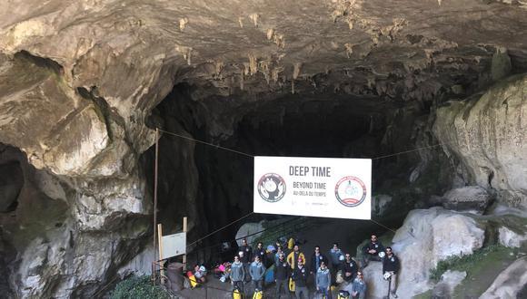 Fueron siete mujeres y los siete hombres, de entre 27 y 50 años conducidos por el explorador francosuizo Christian Clot, tuvieron que acostumbrarse a los 12 grados y al 95% de humedad de la cueva de Lombrives en Ariège (Foto: Facebook Adaptation Institute, Research and do Tank)