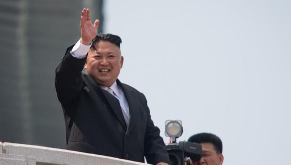 Kim Jong-un nació probablemente en 1984 y estudió durante varios años en un internado en Suiza. En un primer momento, algunos observadores alegaron que ese tiempo que pasó en Occidente podría llevarlo a impulsar reformas al estilo de China. (Foto: AFP/Ed Jones)