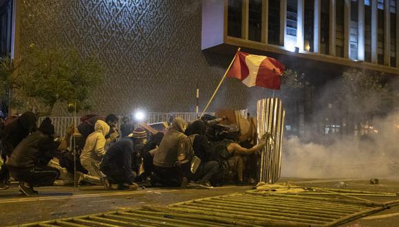 Tras la vacancia de Martín Vizcarra de la Presidencia, se registraron varias manifestaciones en Lima y al interior del país. La del 14 de noviembre se vio enlutada con la muerte de dos jóvenes, lo que acabaría por finalmente desencadenar la renuncia de Manuel Merino de Lama. (Foto: Renzo Salazar / GEC)