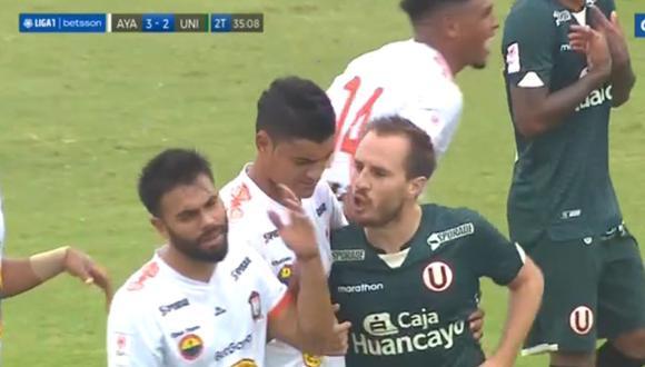 Hernán Novick expulsado en Universitario vs Ayacucho FC por Liga 1.