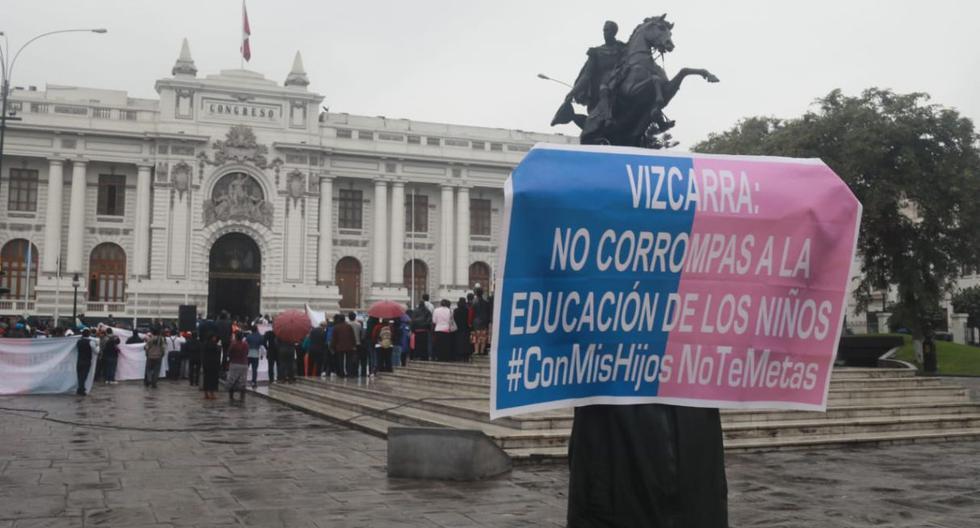 Con Mis Hijos no te Metas en la Plaza Bolívar del Congreso. Foto: Juan Ponce Valenzuela