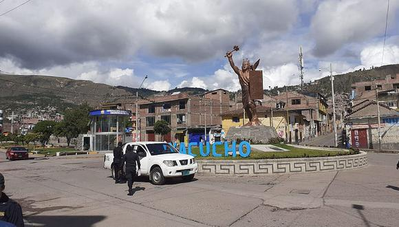Ayacucho: la comisión multisectorial  solicitará a la PCM la inmovilización total los domingos y ampliar el horario del toque de queda de lunes a sábado ante el incremento de contagios por COVID-19 y fallecimientos.