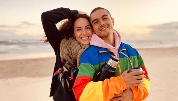 Madre e hijo posando juntos. Ellos son muy unidos y así lo hacen ver en sus redes sociales. (Foto: Bárbara Mori / Instagram)
