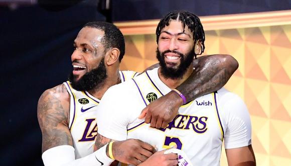 Las figuras de LosAngeles Lakers, LeBron James y Anthony Davis. (NBA Twitter)