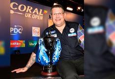 Bicampeón mundial de dardos fue expulsado de torneo virtual por mala conexión de Wifi FOTOS