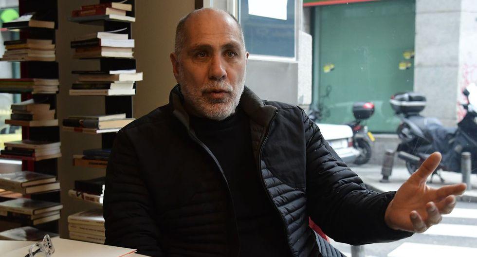 """El escritor mexicano Guillermo Arriaga ganó el Premio Alfaguara 2020 con su novela """"Salvar el fuego"""". (Foto: AFP)"""