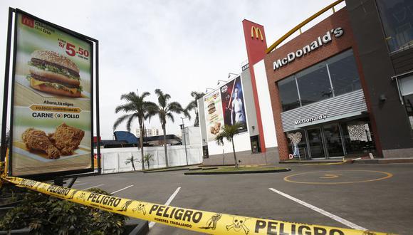 Dos jóvenes murieron en el McDonald's de Pueblo Libre y no hay responsables. (Foto: GEC)