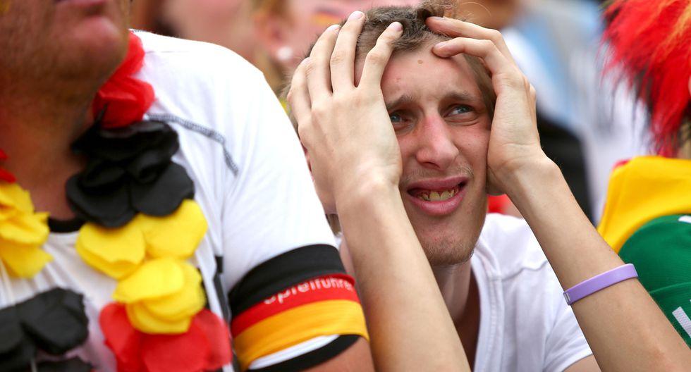 Jugadores e hinchas de Alemania quedan desconsolados tras la pronta eliminación en el Mundial Rusia 2018. (Foto: EFE)