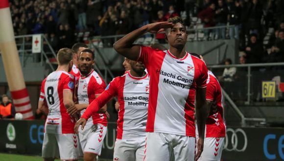 Sergio Peña anotó un gol y brindó tres asistencias en el FC Emmen vs. Willem II. Araujo también marcó. (Foto: FC Emmen)