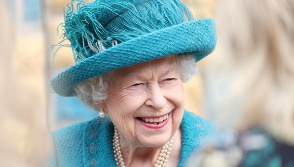 """La embajadora Kate Harrison aseguró en Twitter que expresó a Pedro Castillo y a su vicepresidenta, Dina Boluarte, sus deseos de fortalecer """"aún más"""" la relación entre el Reino Unido y Perú. En la imagen, una foto de archivo de la reina Isabel II. (Scott Heppell / POOL / AFP)"""