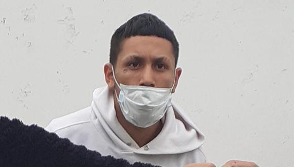 El feroz Walter Raúl Ríos Cervera (21), 'Waltercito', quien tiene múltiples denuncias por robo agravado y es acusado de asesinar de un balazo a la pareja de su primo, que estaba embarazada, fue atrapado por policías de Depincri Chorrillos. (foto: Mónica Rochabrum)