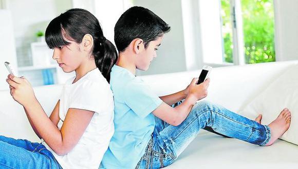 Es importante limitar la cantidad de tiempo que dedican los hijos a tareas sedentarias. Foto: Archivo - GEC