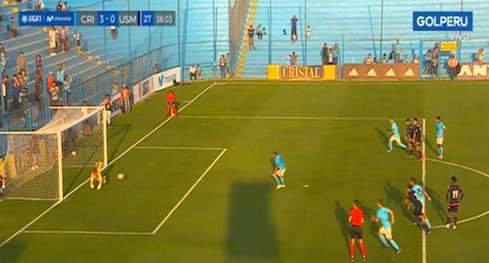 Pedro Ynamine y su espectacular doble atajada en el Sporting Cristal vs San Martín