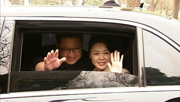La última vez que Ri Sol-ju apareció ante los medios norcoreanos fue en enero del año pasado, cuando asistió junto a su marido a un concierto de Año Nuevo en el teatro Samjiyon de Pionyang. (Foto: CCTV / AFP)