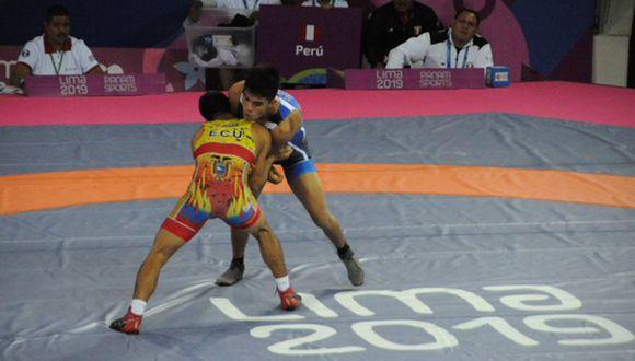 El luchador peruano Nilton Soto va por la medalla de bronce en Lima 2019. (Foto: Twitter Deporte Ecuador)