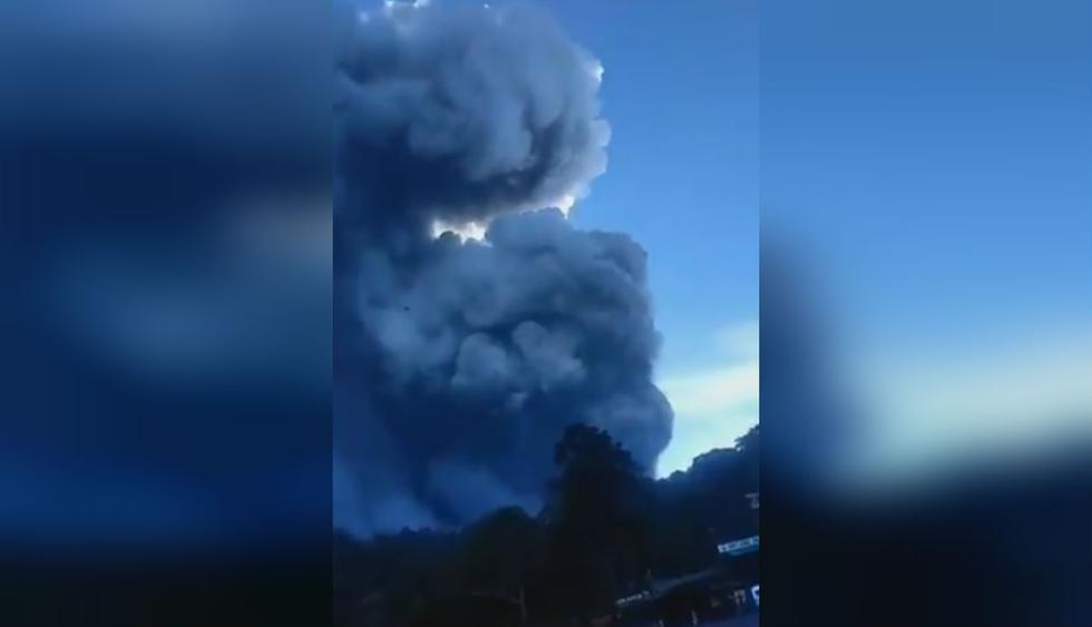 Indonesia: Erupción de volcán Tangkuban Parahu provoca una lluvia de ceniza. (Foto: Captura - Twitter)
