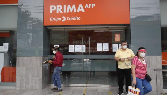 Los afiliados podrán retirar hasta 4UIT, es decir S/ 17,600 de sus fondos. (Foto: Andina)