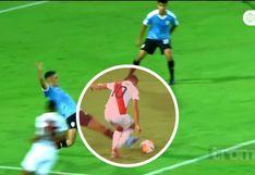 ¡INCREÍBLE! Fernando Pacheco fue trabado en el área y juez no cobró penal en el Perú vs Uruguay | VIDEO