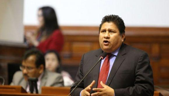 El congresista no agrupado Glider Ushñahua cerró su cuenta de Twitter tras dar 'me gusta' a video pornográfico en Twitter. (Foto: GEC)