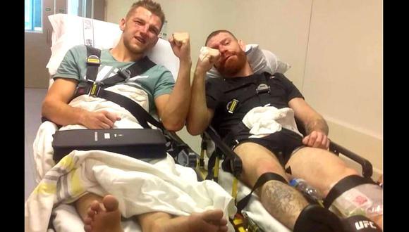 Dan Hooker se llevó la victoria, pero ambos tuvieron que recibir atención médica. (Redes sociales)