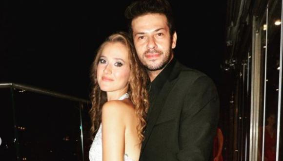 """Los artistas se conocieron en el 2011 cuando grabaron la novela """"İzmir Çetesi"""" (Foto: Ahmet Tansu Taşanlar / Instagram)"""