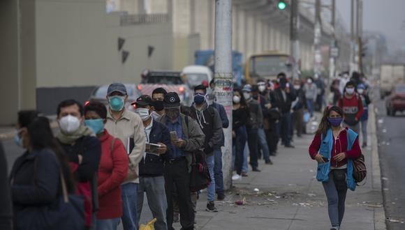 A pesar de que el coronavirus se mantiene en un nivel activo de contagio, el gobierno del presidente peruano, Martín Vizcarra, acelera la reanudación de las actividades económicas. (GEC)
