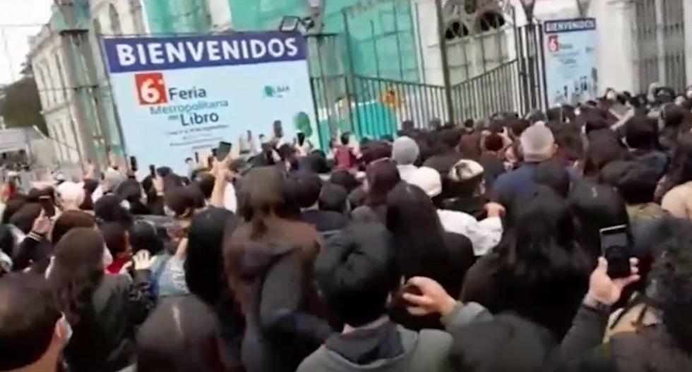 Parque de la Exposición: Reportan aglomeración de personas en la Feria Metropolitana del Libro Lima Lee