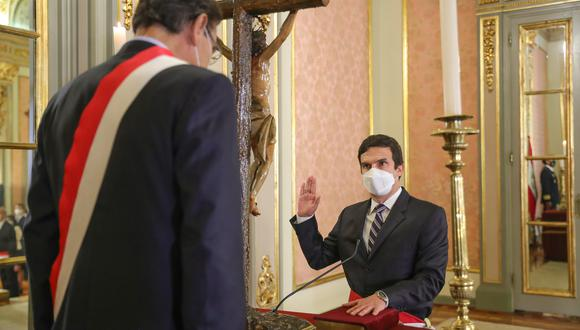 El ministro Miguel Incháustegui reveló que dos personas cercanas a Acción Popular lo buscaron tras la admisión a trámite de la moción de vacancia contra Martín Vizcarra. (Foto: Presidencia)