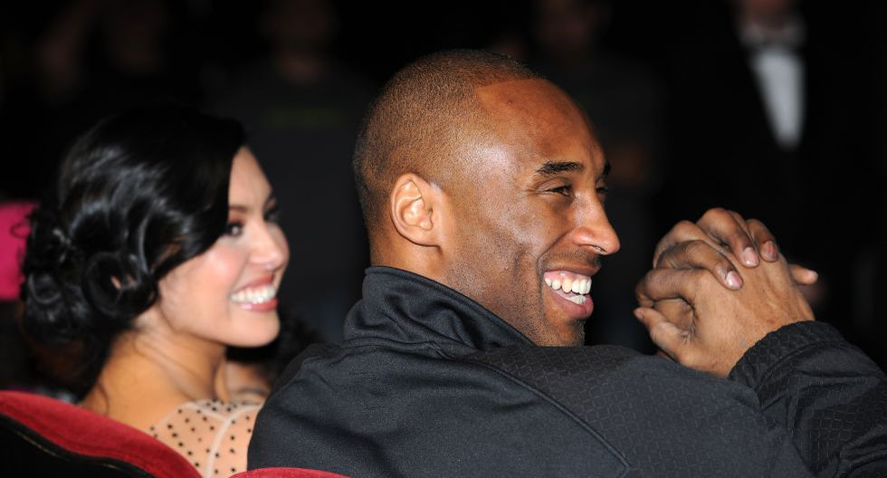 (FILES) In this file photo taken on February 19, 2011 Legendary Los Angeles Lakers� shooting guard Kobe Bryant and wife Vanessa attend his hand and footprint ceremony at the Grauman�s Chinese Theater in Hollywood, California. - NBA legend Kobe Bryant died Sunday in a helicopter crash in suburban Los Angeles, celebrity website TMZ reported, saying five people are confirmed dead in the incident. (Photo by Gabriel BOUYS / AFP)