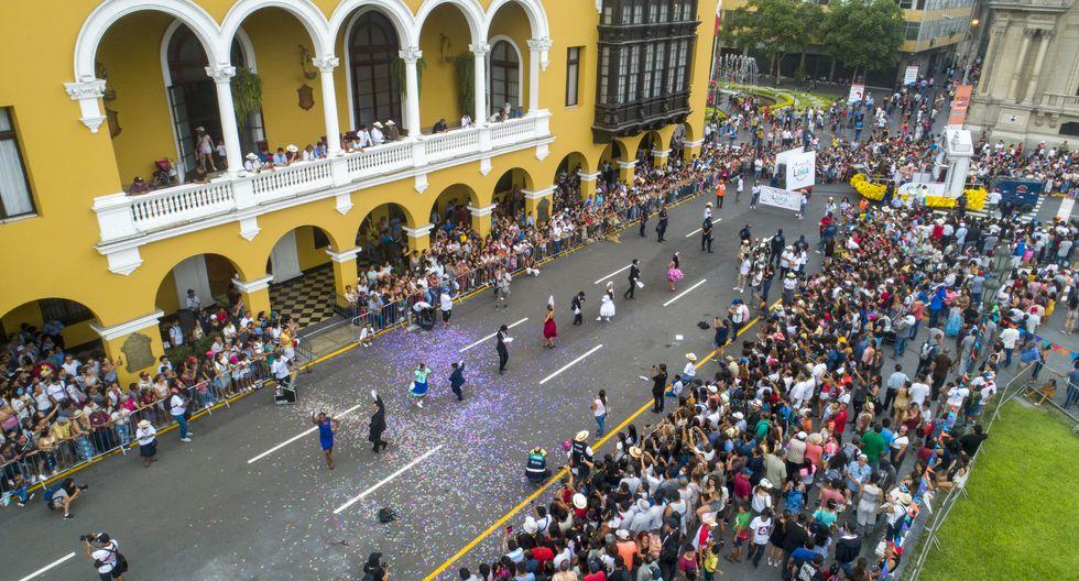 Al promediar las 4:30 p.m, se llevó a cabo el especáculo central en el frontis del Palacio Municipal donde participaron 10 campeones de Marinera Limeña. (Foto: Municipalidad de Lima)