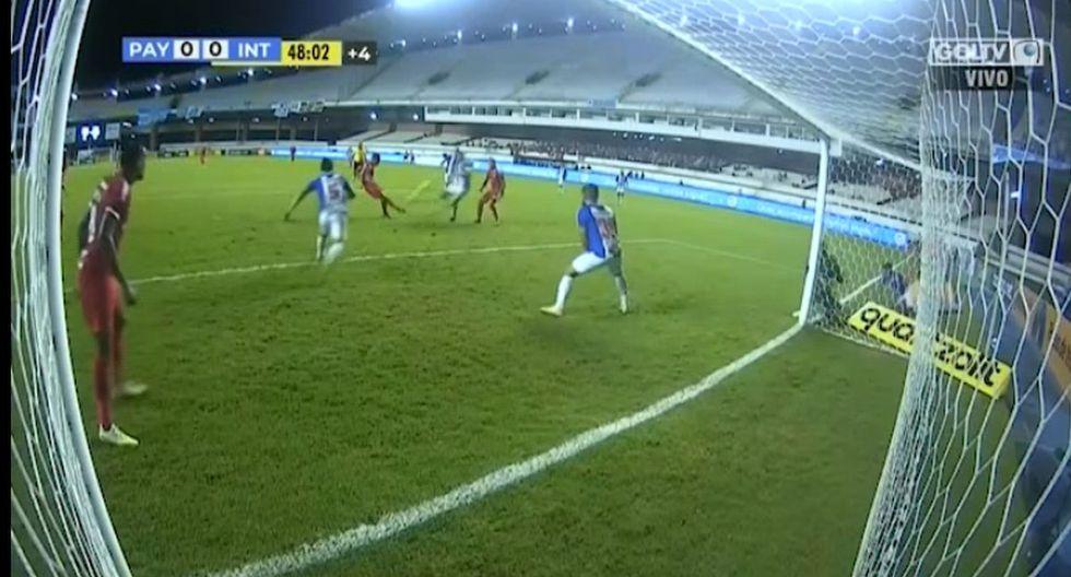 Paolo Guerrero falló gol de manera increíble y su lamento fue interminable en el Inter vs Paysandu