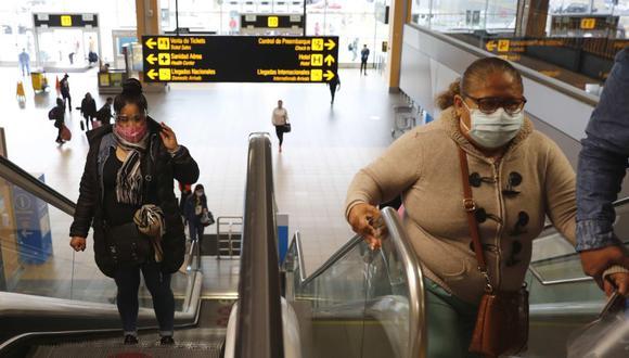 Suspenden vuelos procedentes de Europa y Brasil hasta el 14 de febrero. Foto: EFE/ Paolo Aguilar