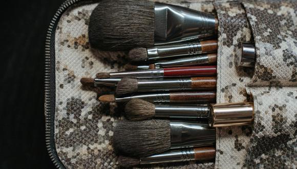 Trucos caseros para limpiar brochas de maquillaje. (Foto: Pexels)