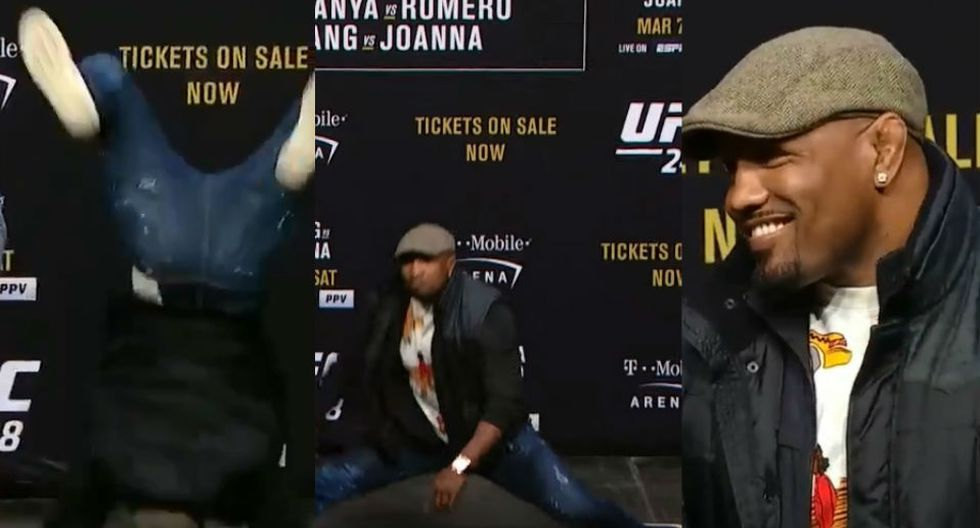 Yoel Romero opacó al nigeriano Adesanya con tremendos pasos. (UFC)