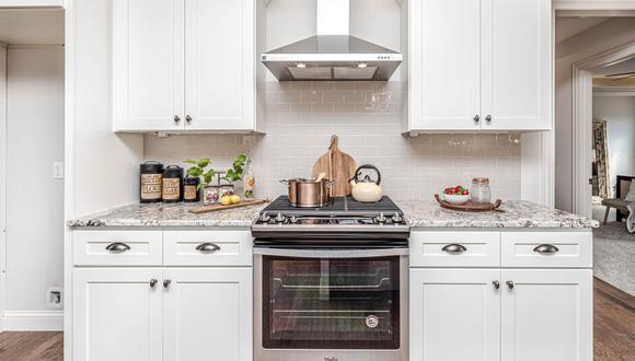 Estos trucos caseros dejarán el vidrio de la puerta del horno como un espejo y sin rastro de grasa. (Foto: Mike Gattorna / Pixabay )