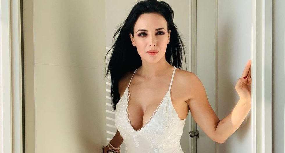 La modelo Rosángela Espinoza compartió sus buenas calificaciones en Instagram. (Foto: @rosángelaespinoza)