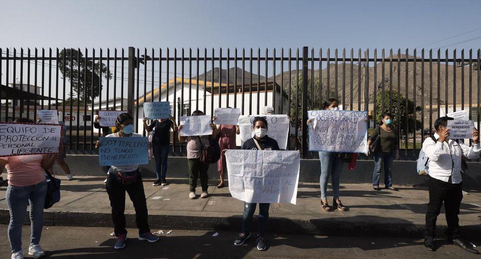 Coronavirus: enfermeros del Hospital Nacional Hipólito Unánue protestan por falta de bono e implementos. (Foto: GEC)