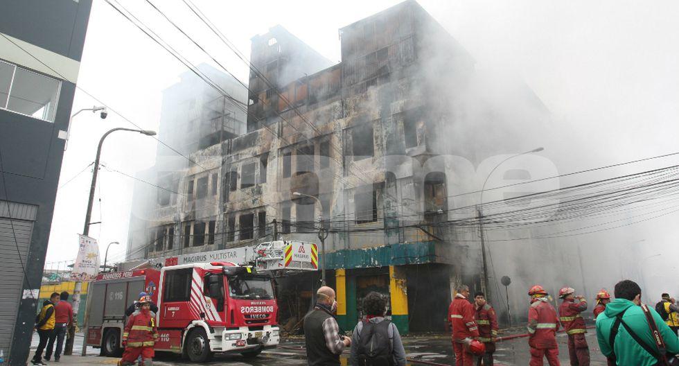 Incendio en Las Malvinas deja al descubierto red de corrupción en la Municipalidad de Lima.
