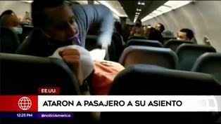 Sujeto es atado a su asiento tras agredir a azafatas de vuelo (VIDEO)