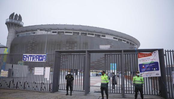 Más de mil agentes policiales garantizan seguridad al interior y exterior del Estadio Nacional por partido Perú – Uruguay, en medio de la pandemia por COVID-19. (Foto: Joel Alonzo/ @photo.gec)