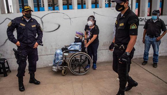 Conoce las nuevas medidas que rigen desde este lunes 10 de mayo. Foto: AFP