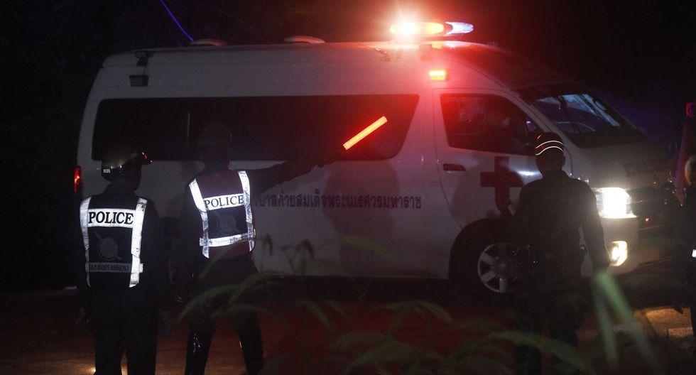 Cuatro niños fueron rescatados del interior de una cueva en Tailandia.