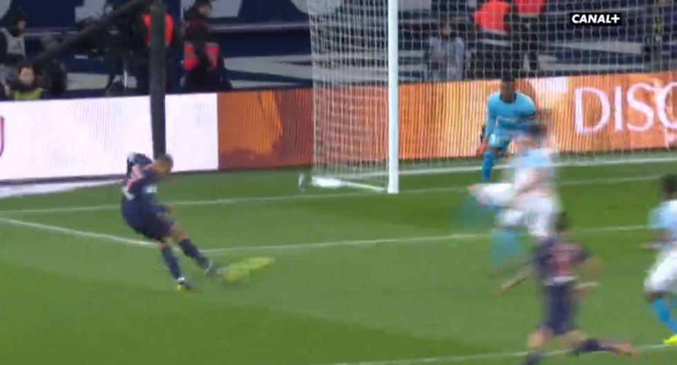 Golazo de Mbappé tras maravilloso control de taco y asistencia de Di María por Ligue 1
