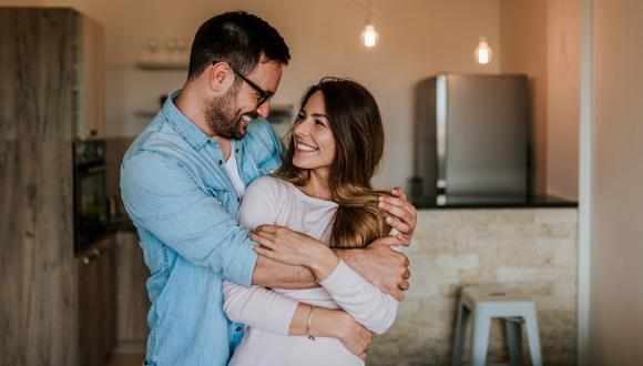 Cinco cosas que hacen las parejas saludables.