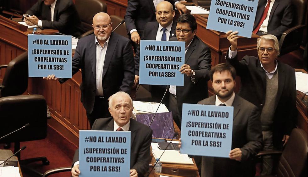 ¡Pelean por proyecto de ley sobre cooperativas en el Congreso!